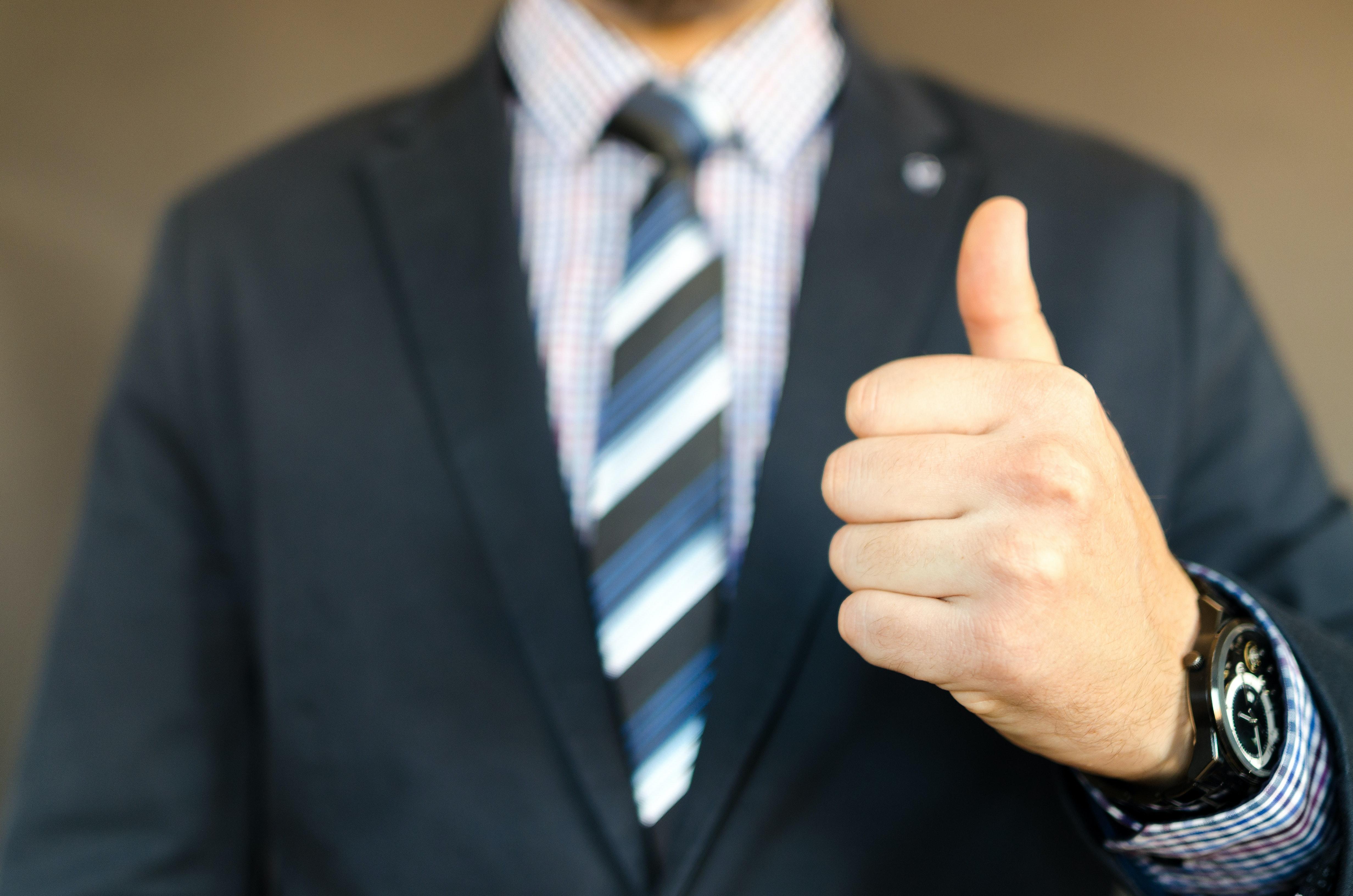 man-in-black-formal-suit-jacket-653429.jpg